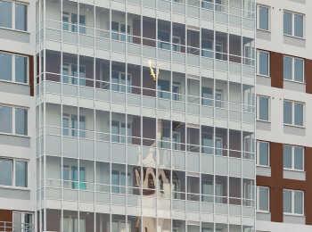 Панорамное остекление балконов в ЖК Невский Эталон